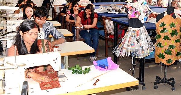 Fashion Designing College In Delhi Fashion Institute In Delhi